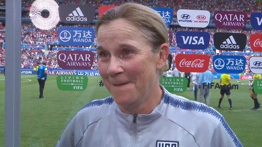 Die US-Trainerin der Frauen-Fußballmannschaft Jill Ellis im Interview.