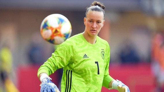 Die deutsche Nationalspielerin Almuth Schult © imago images / Chai v.d. Laage