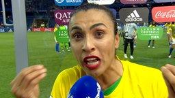 Marta im Interview.