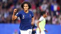 Frankreichs Wendie Renard bejubelt einen Treffer.